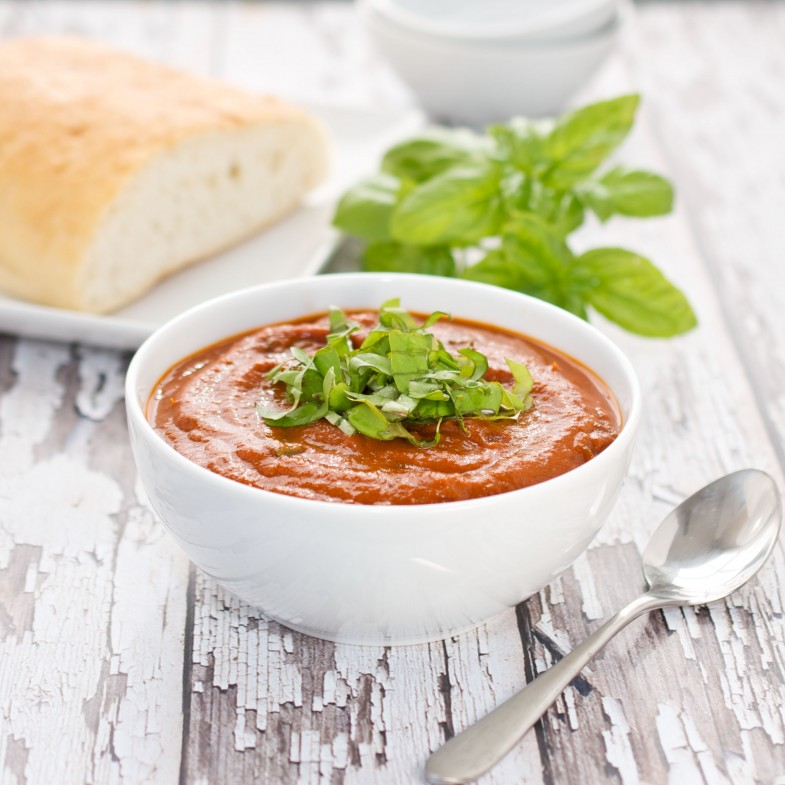 Fresh-Tomato-Soup-With-Basil