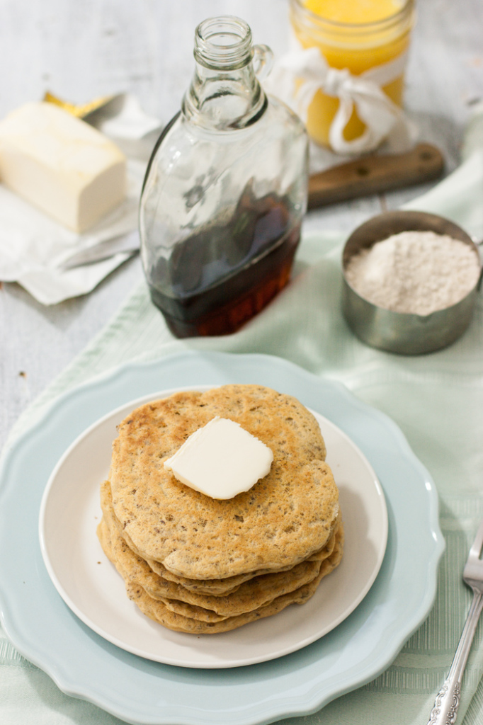 Fluffy-Whole-Grain-Pancake-Mix-3-682x1024