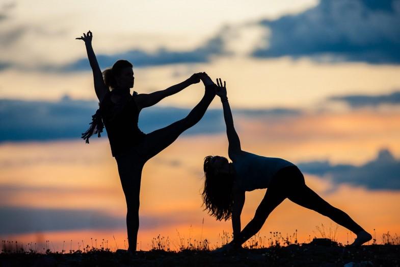 Silhouette-Yoga11
