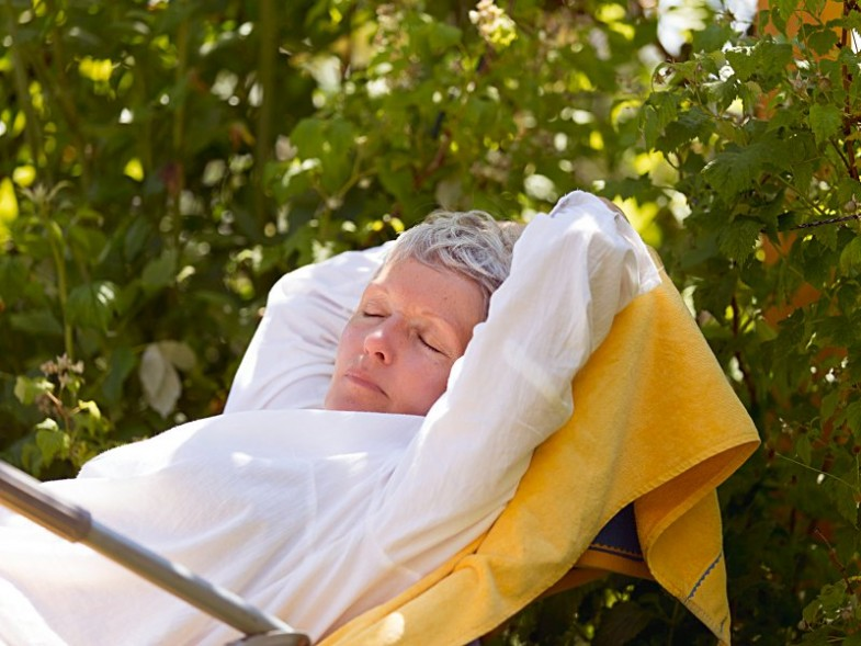 dt_150829_woman_napping_800x600