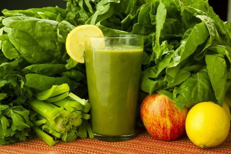 green-smoothies-slider-spinach-celery-100031