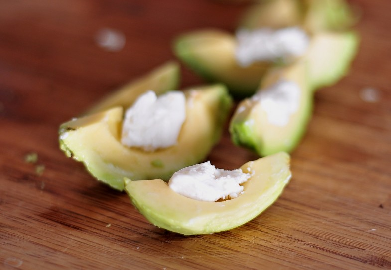 avo-slice-goat-cheese