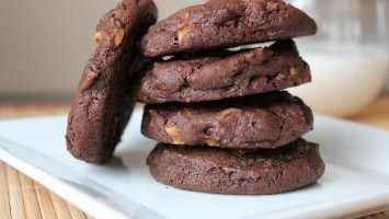 Chocolate-Peanut-Butter-Cookies_11281